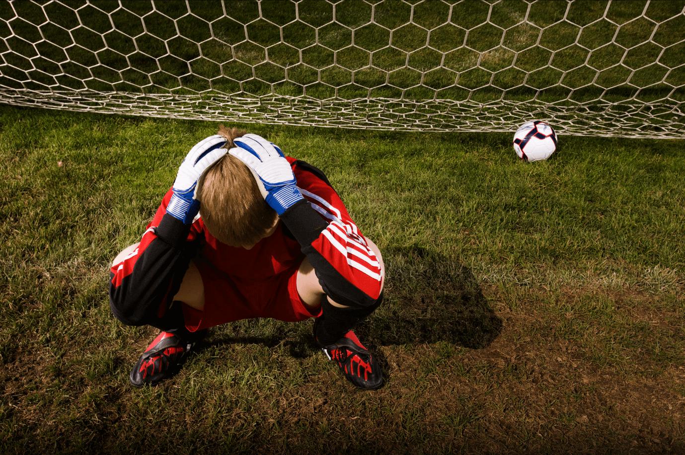 Goleiro frustrado pelo fracasso no futebol