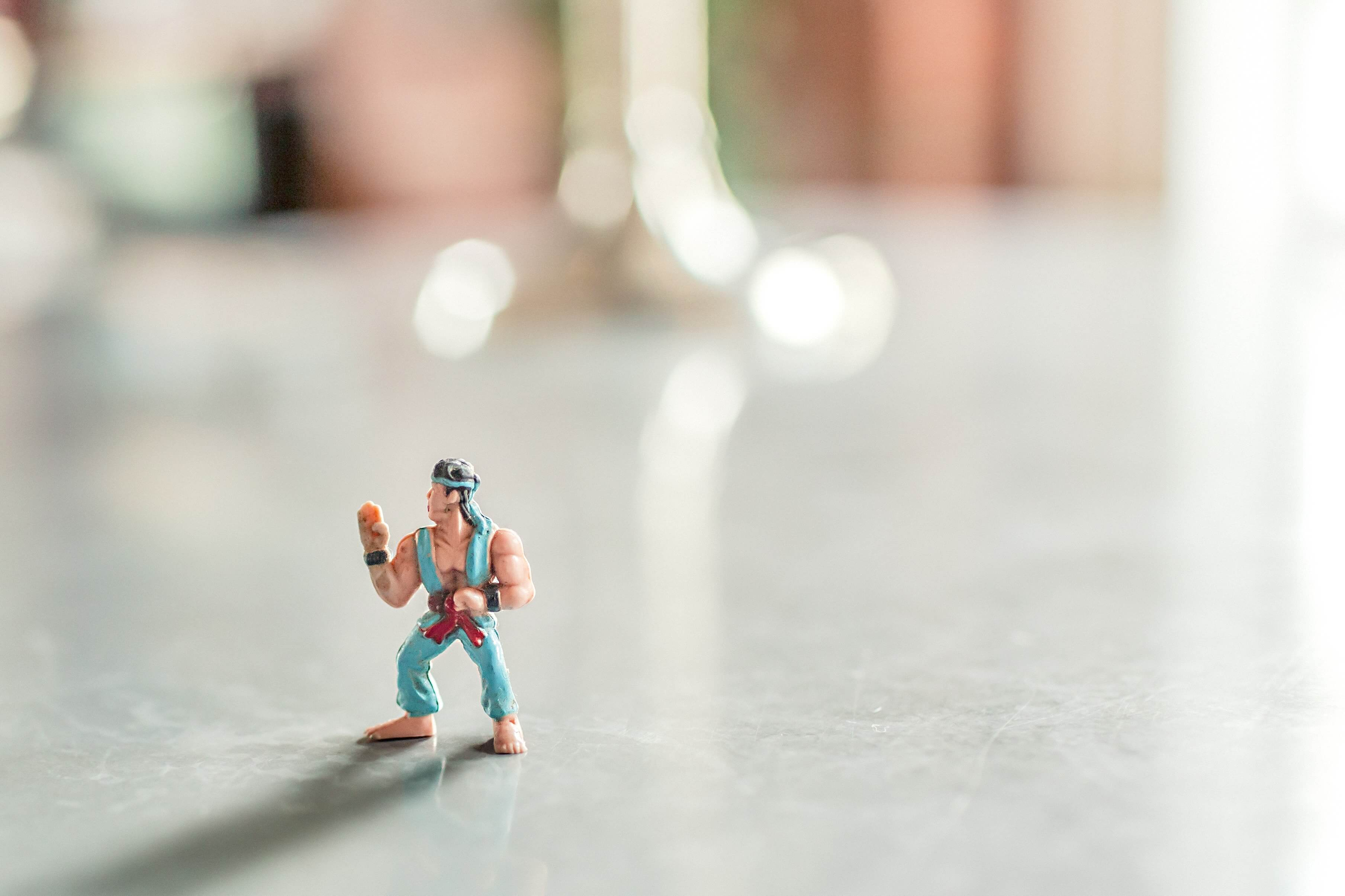 Boneco em posição de luta