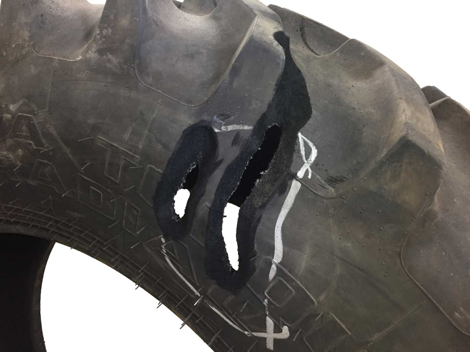 vulcanized section repair on a tractor tire