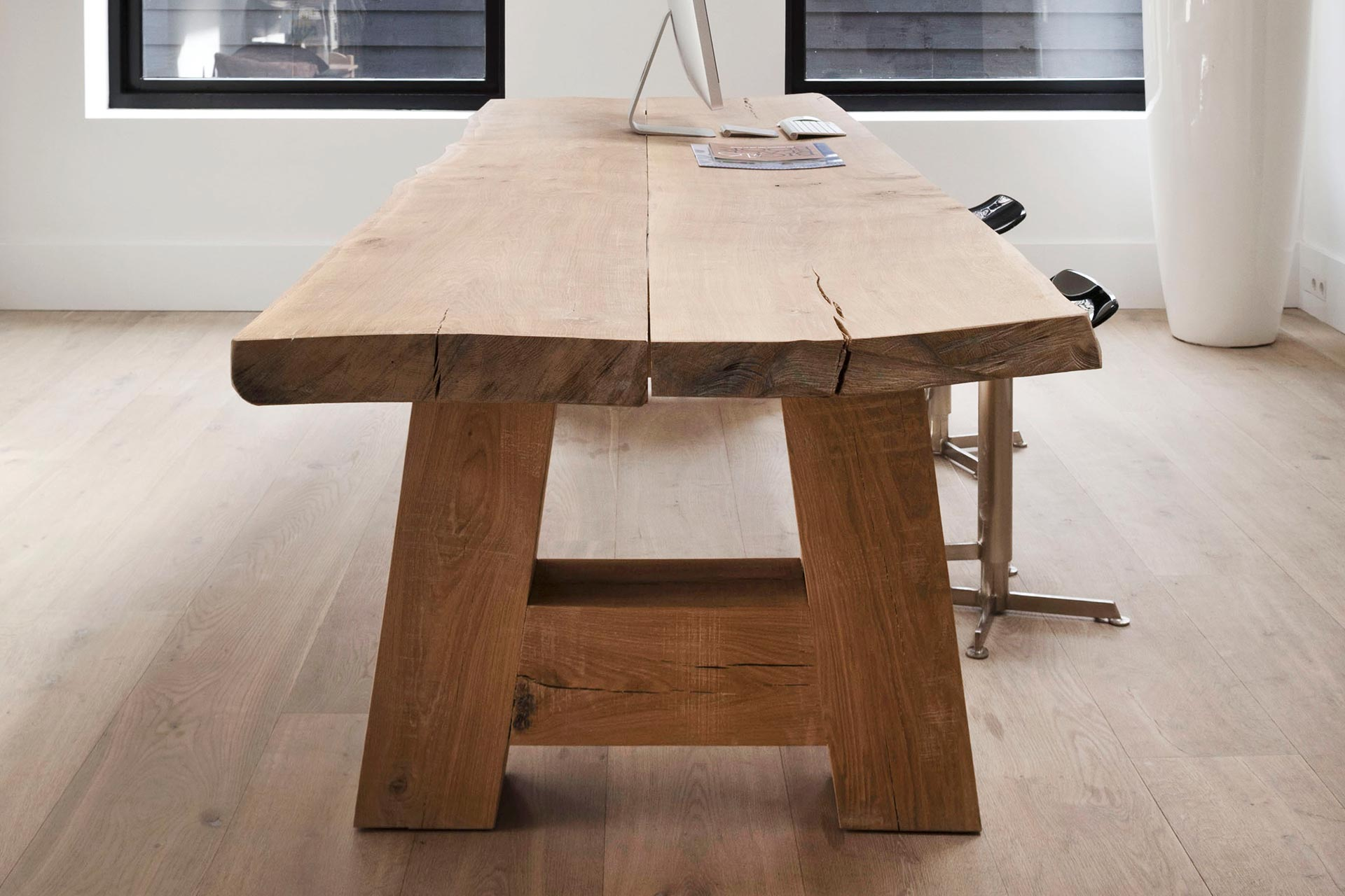 Massief Houten Tafel : Massief houten eettafel