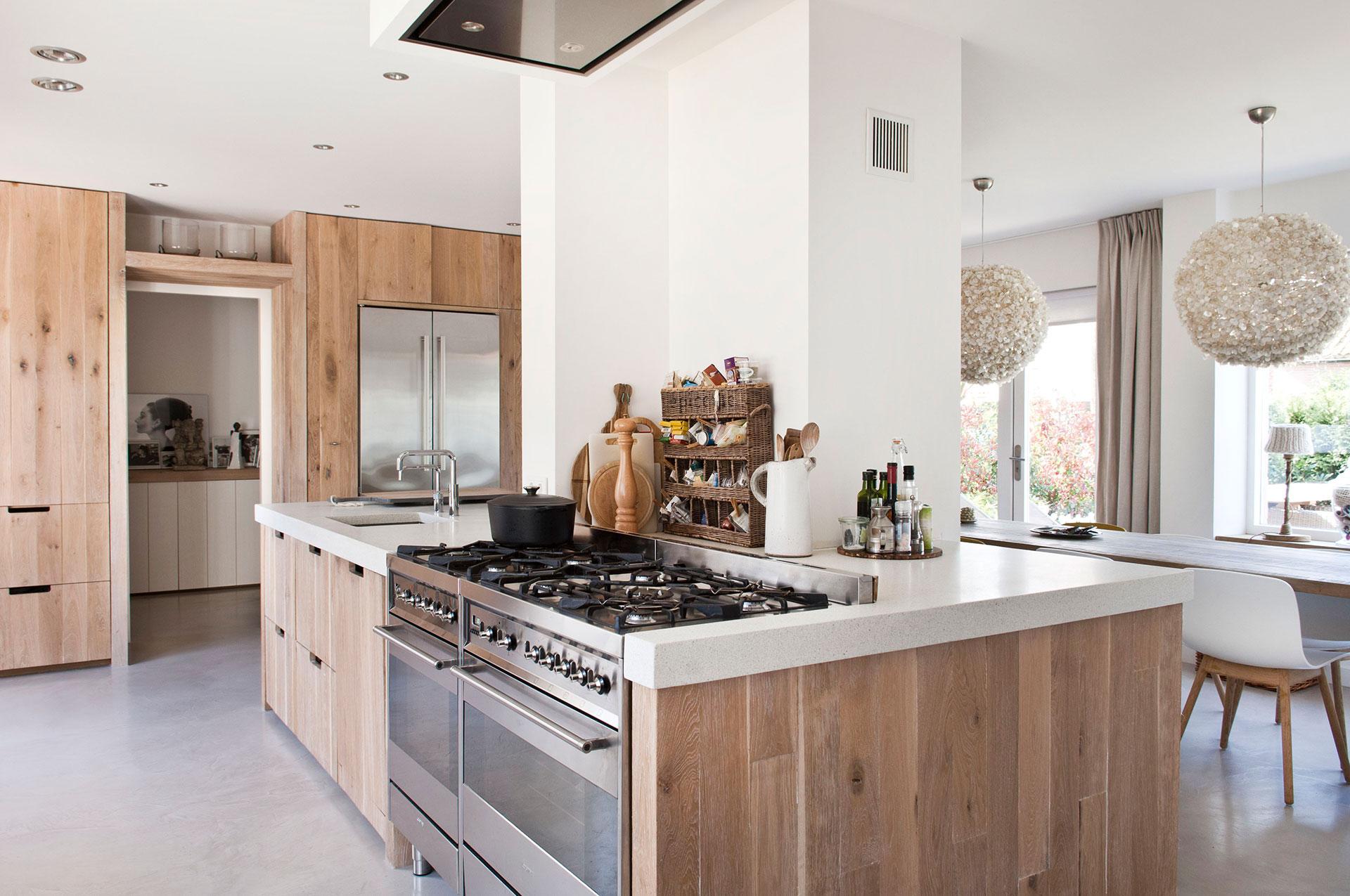 Kookeiland Keuken Houten : Puur houten kookeiland