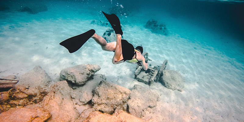 Scuba diving in the Bahamas for New Year Eve before partying in Nassau