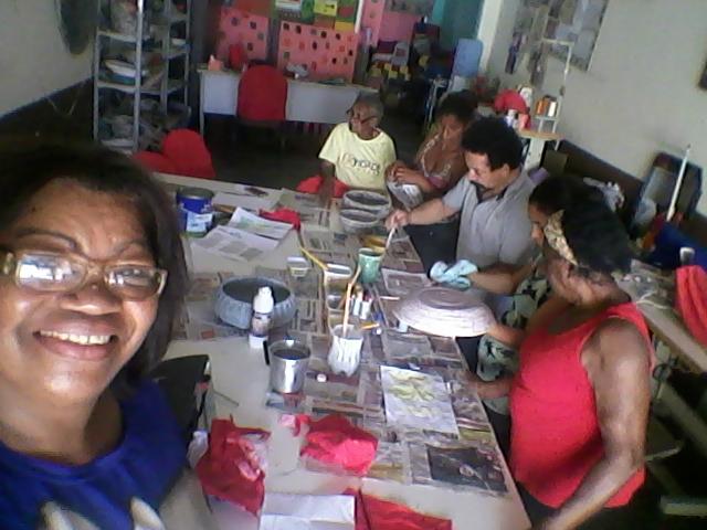 Magali Machado e artesãs