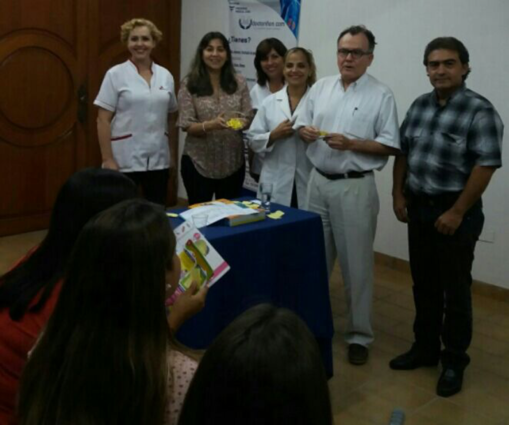 Health professionals of the center in Semdo, Bolivia, present their take on preventing diabetes, diabetic patient care, nutrition, and physical care.